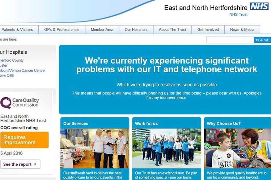 Der staatliche, britischen Gesundheitsdienst (NHS) informiert auf seiner Internetseite über Probleme mit der IT.