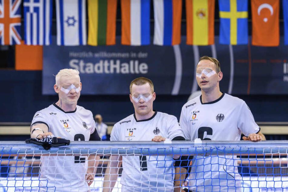 Felix Rogge (30, l.) und Oliver Hörauf (r.) holten mit ihrem Nationalmannschaftskollegen Michael Feistle (27, Mitte) den EM-Titel in Rostock.