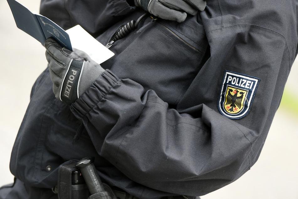 Polizistin hält Wahlkampfhelfer für Einbrecher: Racial Profiling?