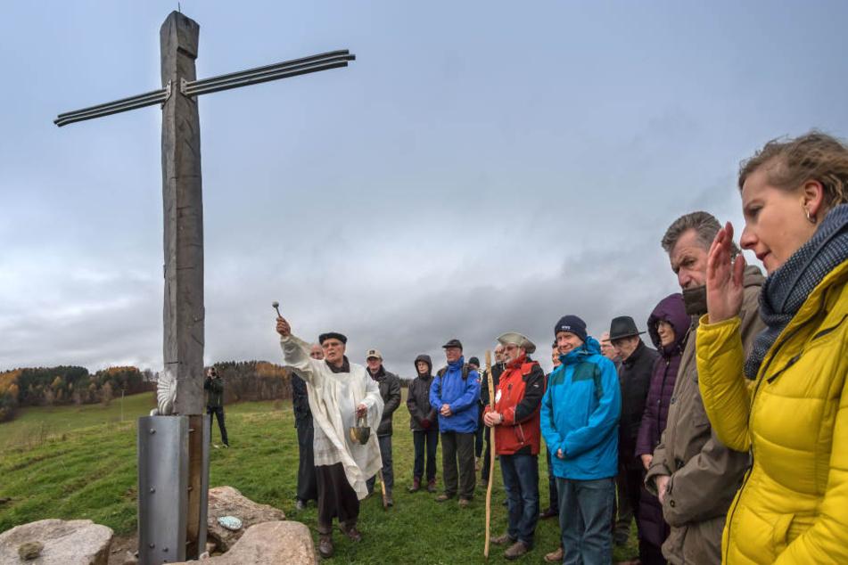 Auf der Halde 296 in Alberoda wurde jetzt ein Pilgerkreuz geweiht.