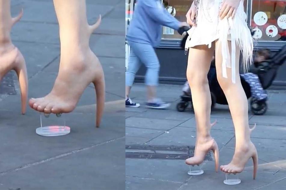 Bei den scheinbar mutierten Füßen handelt es sich in Wirklichkeit um Overknee-Stiefel.