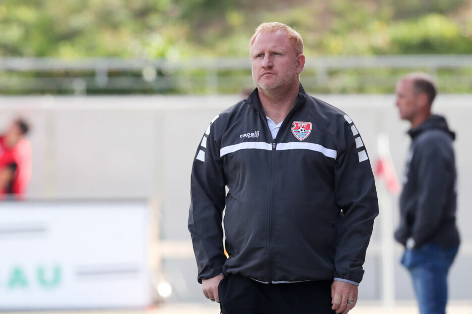 Bei KFC-Coach Heiko Vogel ging der Blick meist nach oben...