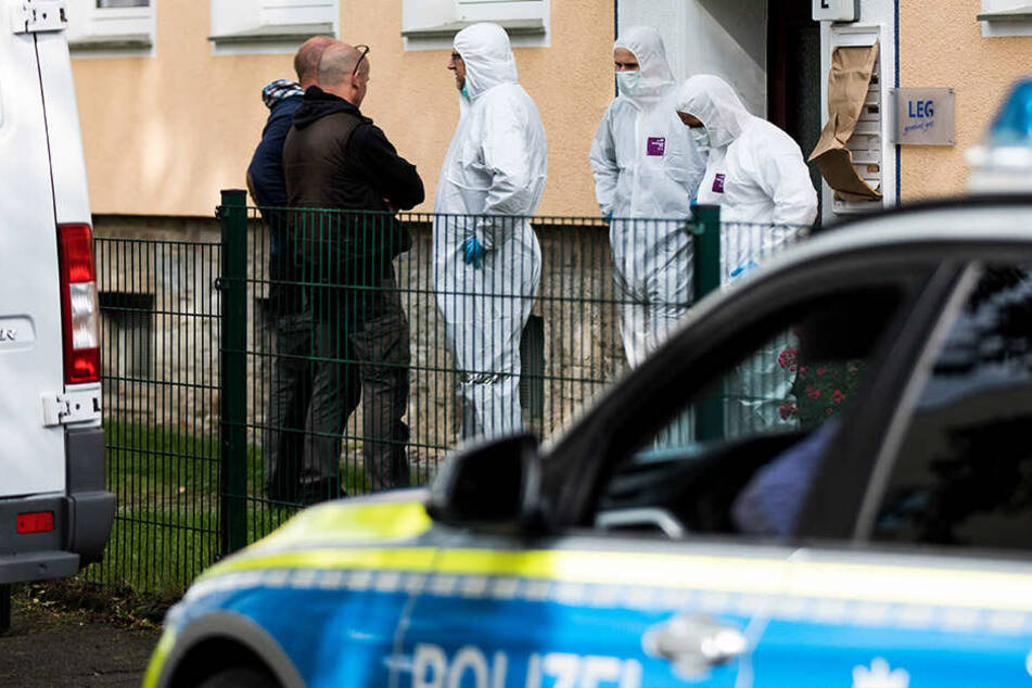 Die Spurensicherung untersuchte die gesamte Wohnung des Tatverdächtigen.
