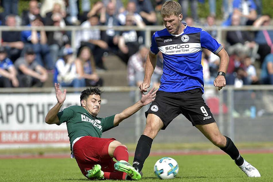 Wird Fabian Klos (29) auch in Zukunft die Kapitänsbinde tragen? Noch hat sich sein Trainer nicht entschieden.
