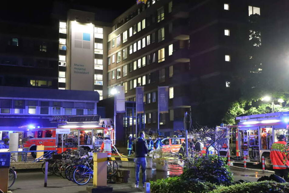 Nach Brand mit einem Toten in Krankenhaus: Vier Patienten wegen Rauch in Lebensgefahr
