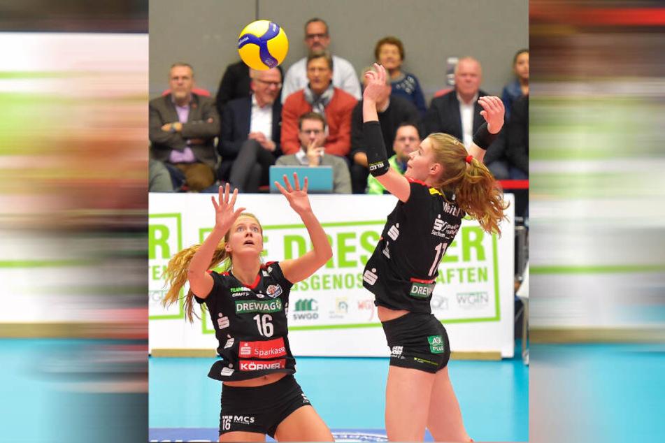 Präzise zuspielen und erfolgreich angreifen. Das wollen Brie King (l.) und Camilla Weitzel auch am Samstag in Erfurt.