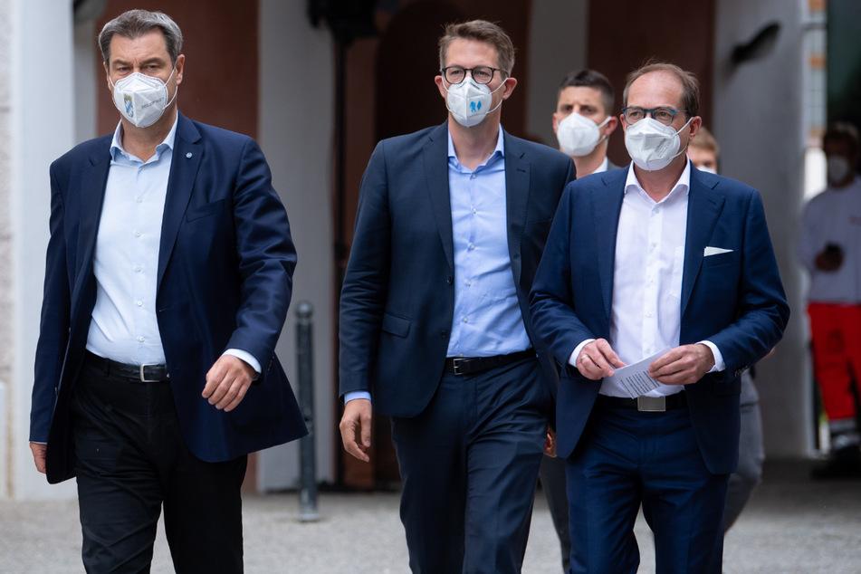 CSU-Chef und Bayerns Ministerpräsident Markus Söder (54, v.l.n.r.), CSU-Generalsekretär Markus Blume (46) und CSU-Landesgruppenchef Alexander Dobrindt (51) beschließen heute ihr Wahlprogramm.