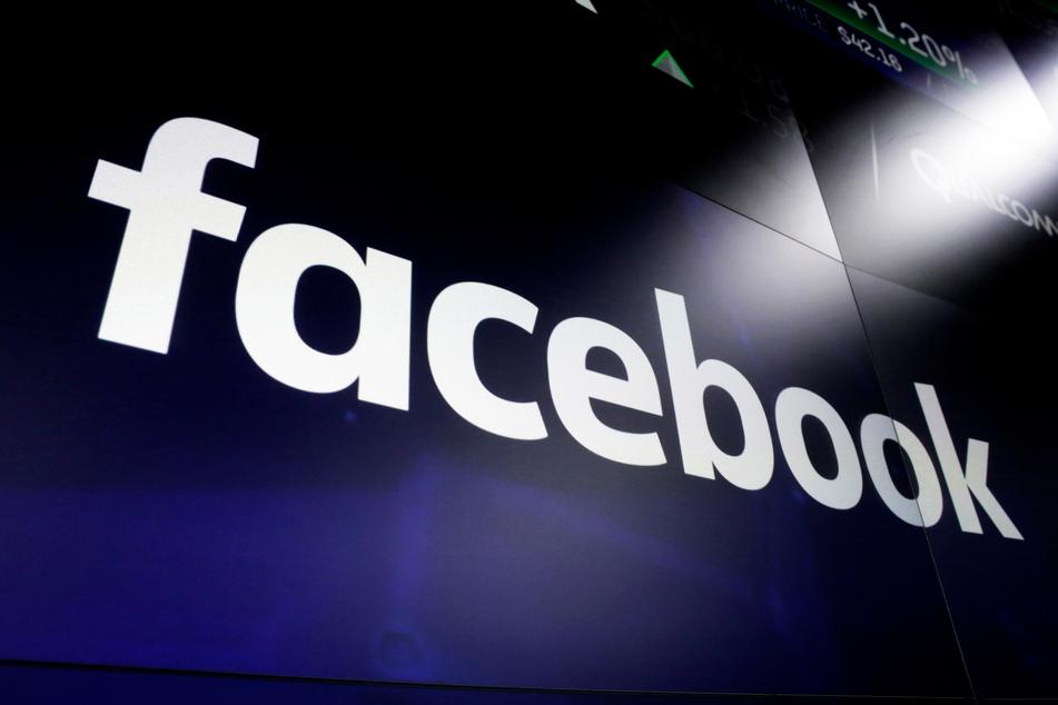 """Mit Hilfe von Algorithmen wird """"Facebook News"""" zusätzlich auch personalisierte Inhalte anbieten. Diese Auswahl basiert auf den Nachrichten, die Nutzerinnen und Nutzer lesen, teilen und abonnieren."""