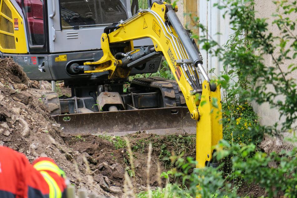 Ein Bagger beschädigte bei Erdarbeiten eine Gasleitung.