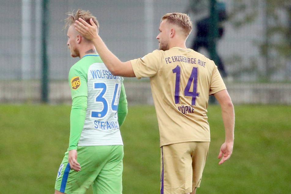 Beim Testspiel gegen Wolfsburg kam es zum Duell der Freunde Marvin Stefaniak und Pascal Köpke.