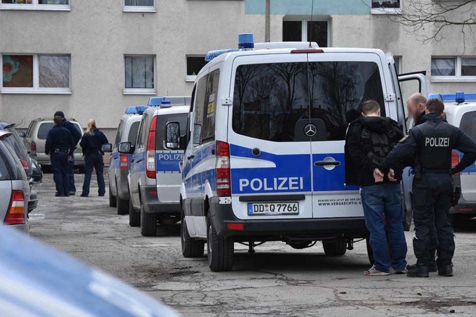 Die Polizei war am Donnerstag im Heckertgebiet im Großeinsatz.