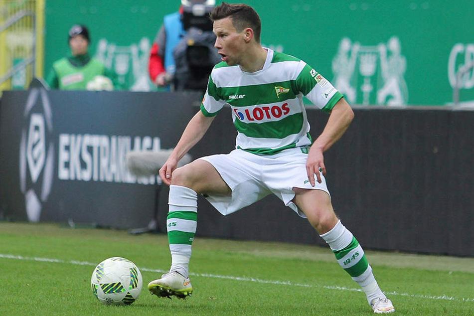 Hier dribbelt Michal Mak noch für seinen alten Club Lechia Gdansk.