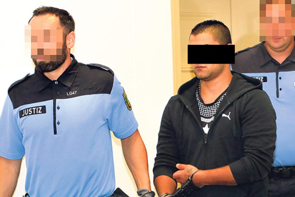 Richard B. (20) ist angeklagt, eine Prostituierte auf dem Sonnenberg mit 81  Messerstichen ermordet zu haben.