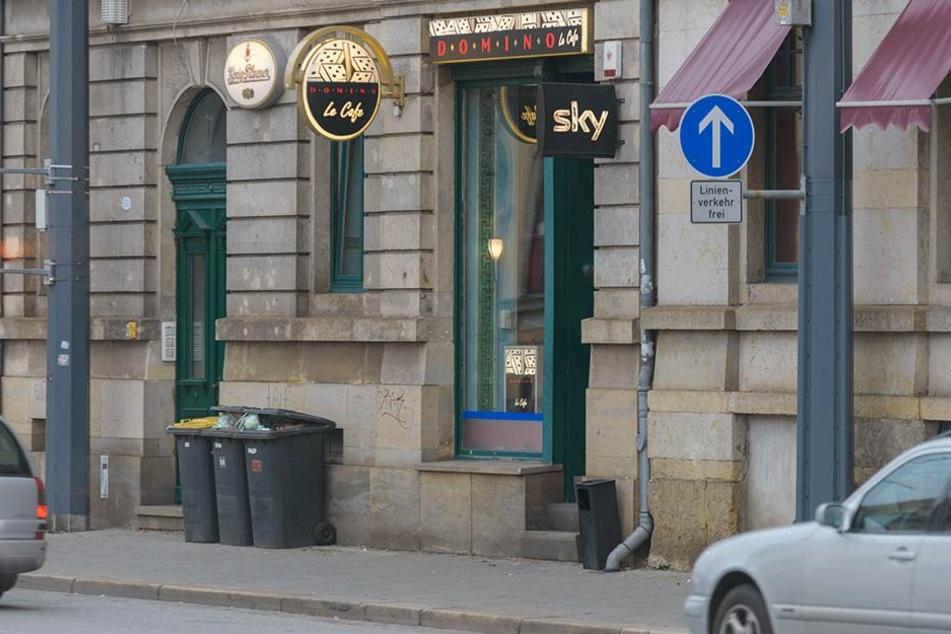 """Die """"Bar Domino"""" an der Leipziger Straße soll eine Sozialberatung sein, allerdings gibt's auch Bier und Glücksspielautomaten."""