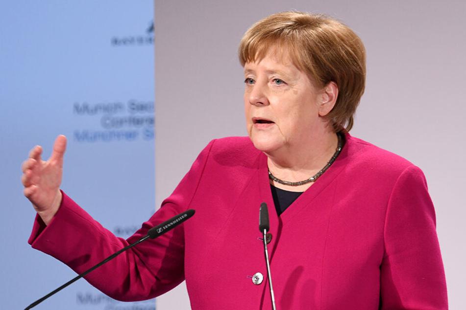 Bundeskanzlerin Angela Merkel (CDU) spricht bei der 55. Münchner Sicherheitskonferenz.