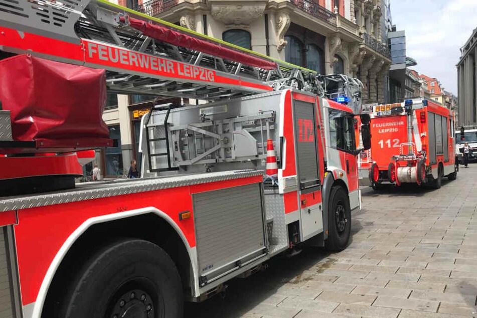 Am gestrigen Nachmittag rückte die Leipziger Feuerwehr in den Westen der Messestadt aus. Dort setzte jemand offenbar mutwillig den Inhalt einer Kellerbox in Brand. (Symbolbild)