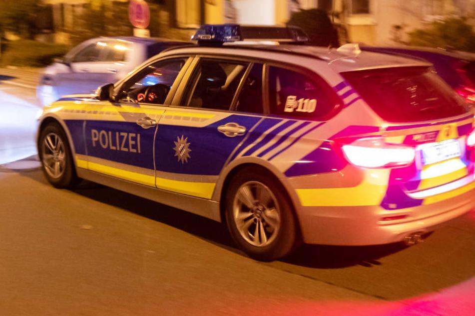 Die Polizei konnte den jungen Mann nahe der Wohnung aufgreifen. (Symbolbild)