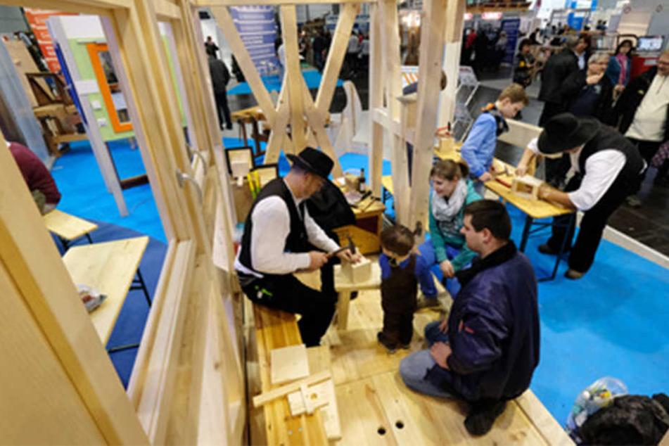 Tüfteln, werkeln, bauen: Auf der Mitteldeutschen Handwerksmesse fallen auch mal Späne.