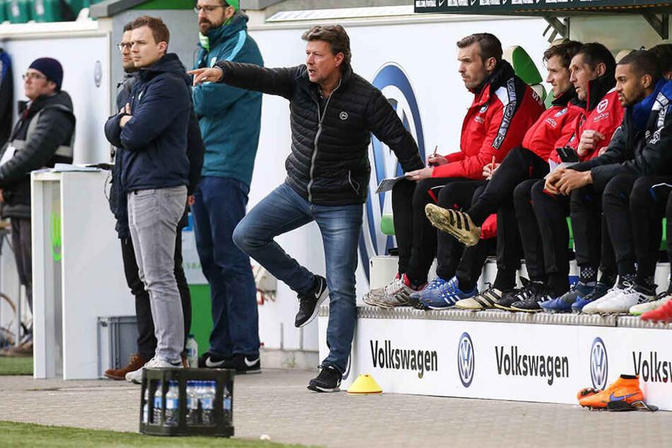 Hoffnungsträger: Kann der neue Trainer, Jeff Saibene, die Arminia vor dem Abstieg retten?