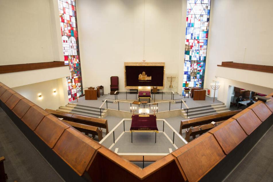 Innenansicht der Synagoge Hohe Weide in Hambur (Archivbild)