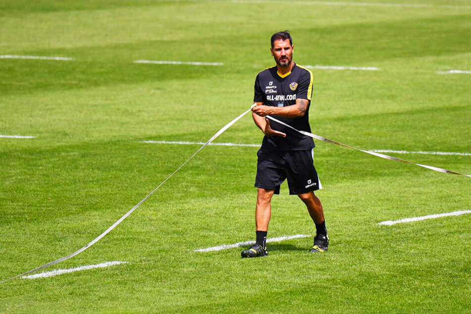 Dynamo-Coach Cristian Fiel mit millimetergenauer Arbeit.