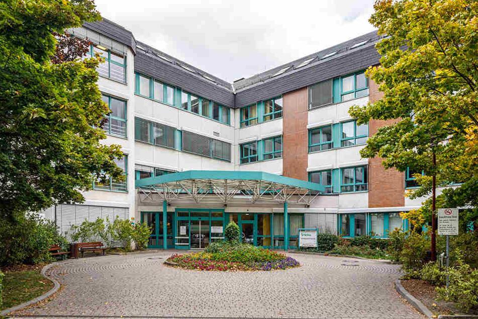 Die Klinik in Freital. Auch hier gibt es ab sofort zusätzlich zum normalen Notdienst eine Bereitschaftspraxis.