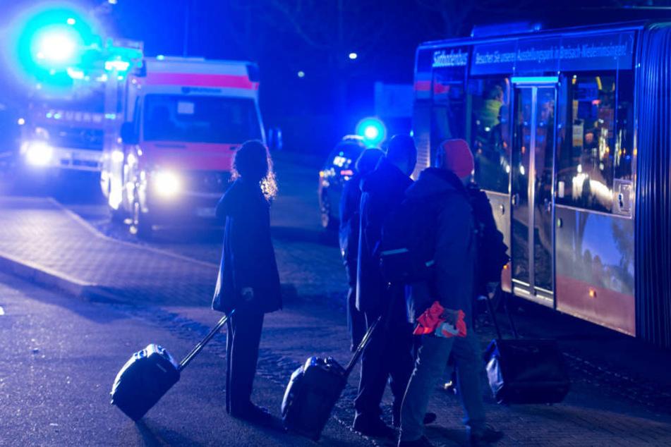 Ein Fernbus brachte die gestrandeten Bahnfahrer weiter.