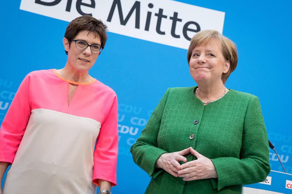 Kanzlerin Angela Merkel (63) selbst hatte Kramp-Karrenbauer für das Amt vorgeschlagen.