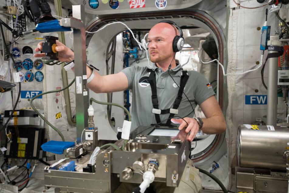 Astronaut Alexander Gerst führt auf der ISS viele Experimente durch. Immer wieder sendet er aber auch Fotos per Twitter von ISS.