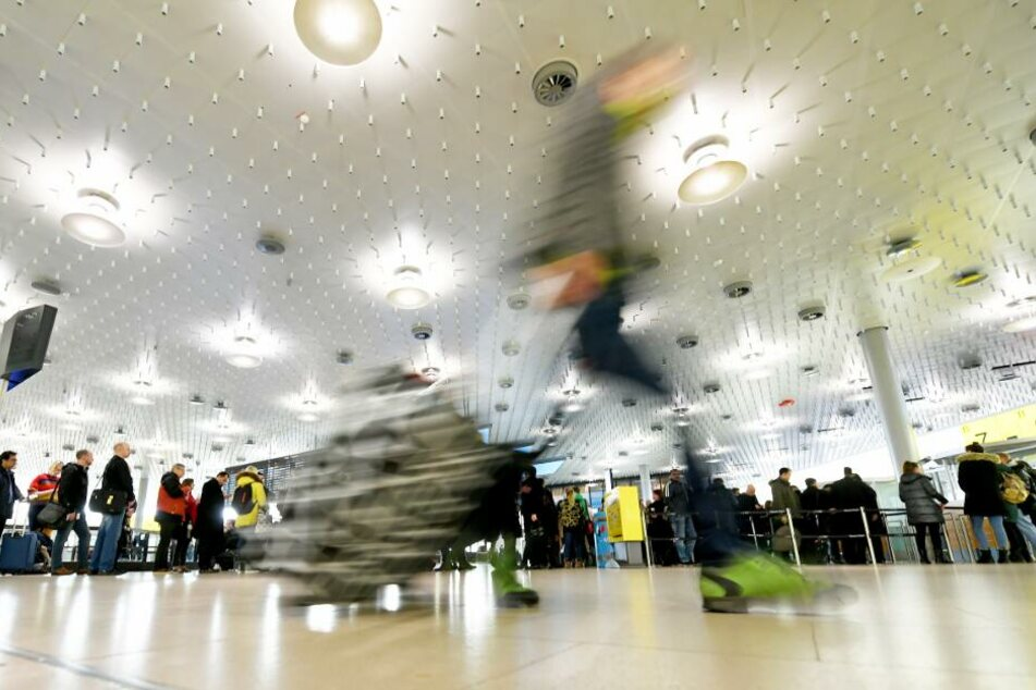 Der Flughafen Hannover rechnet am Osterwochenende mit 50.000 Passagieren.