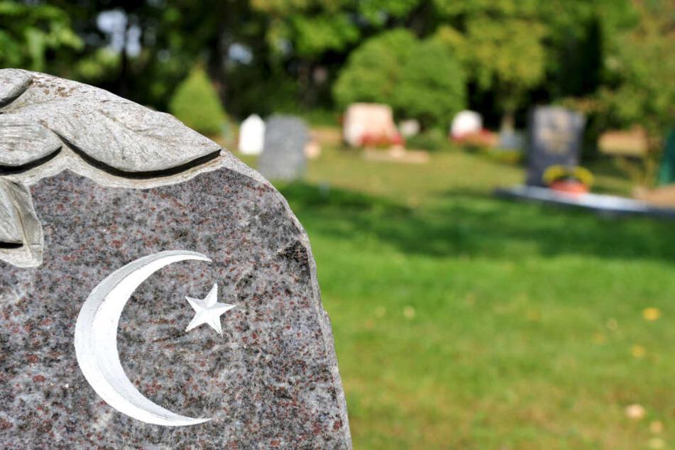 In anderen Bundesländern können Muslime bereits ohne Sarg bestattet werden. (Archivbild)