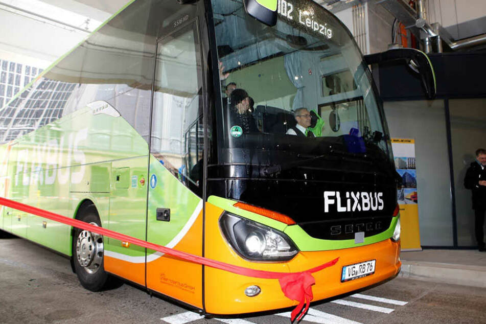 Am Donnerstagmittag fuhr symbolisch der erste Bus vom neuen Termin ab.