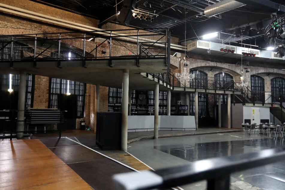 Die Empore in der großen Halle gehört bald der Vergangenheit an.