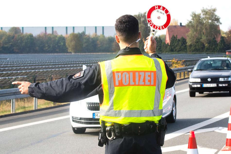 Die Polizei wollte eigentlich einen Autofahrer kontrollieren, stattdessen ging es auf eine Verfolgungsjagd.