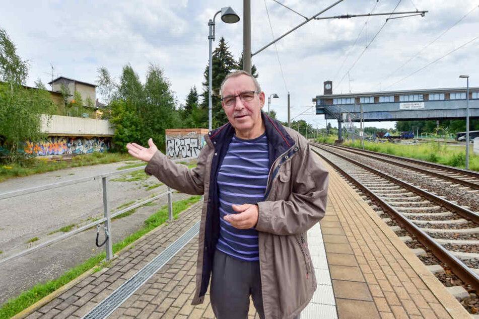 Eisenbahner Wolfgang Lesch (63) erinnert sich an bessere Zeiten, als Hilbersdorf der zweitgrößte Rangierbahnhof der DDR war