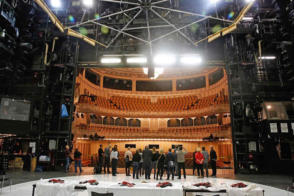 Das Dresdner Schauspielhaus wurde  in den letzten vier Monaten für elf Millionen Euro modernisiert.