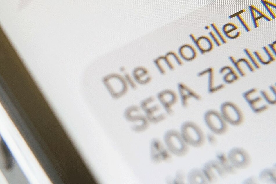 Darf eine Bank für jede per SMS versendete TAN bis zu 10 Cent verlangen?