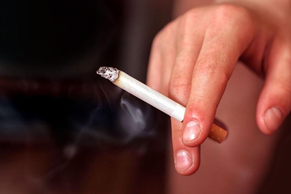 Eine Zigarette gab Anlass für all den Ärger. (Symbolbild)