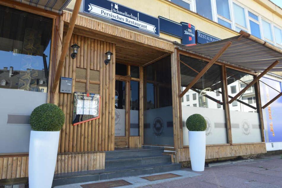 """Unbekannte Täter haben in der Nacht zum 23.9.2018 an dem persischen Restaurant """"Schmetterling"""" in Chemnitz mehrere Scheiben beschädigt."""