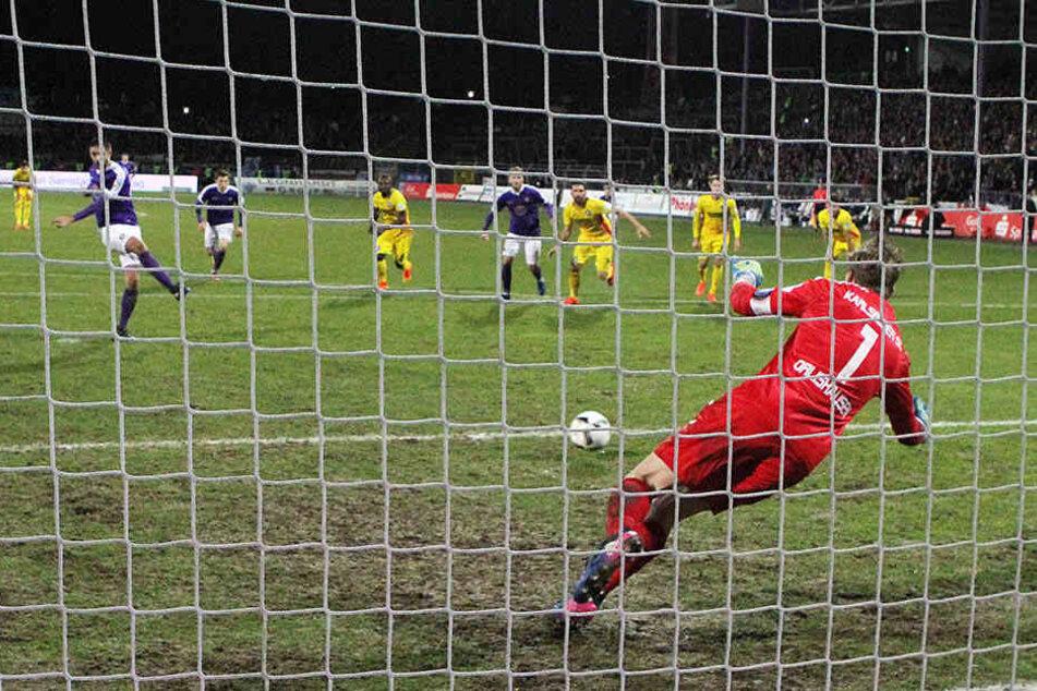 Dimitrij Nazarov erzielte das 1:0 für Aue per Elfmeter.
