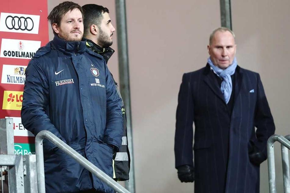 FCE-Boss Helge Leonhardt (r.) wird Hannes Drews (li.) nicht feuern. Gut möglich aber, dass der Coach von sich aus zurücktritt.