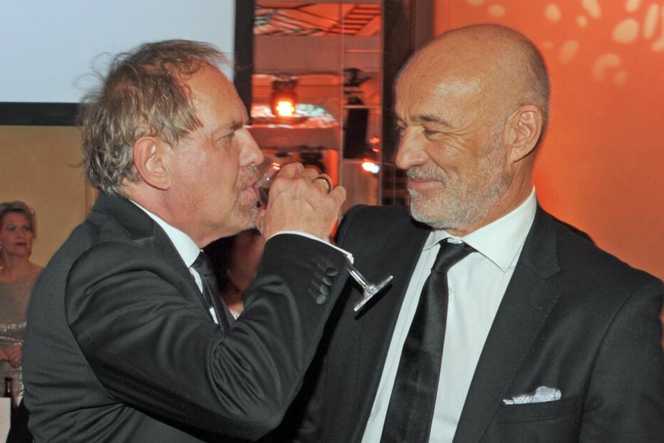 Die Schauspieler Uwe Ochsenknecht (l) und Heiner Lauterbach feiern beim Deutschen Filmball im Bayerischen Hof.