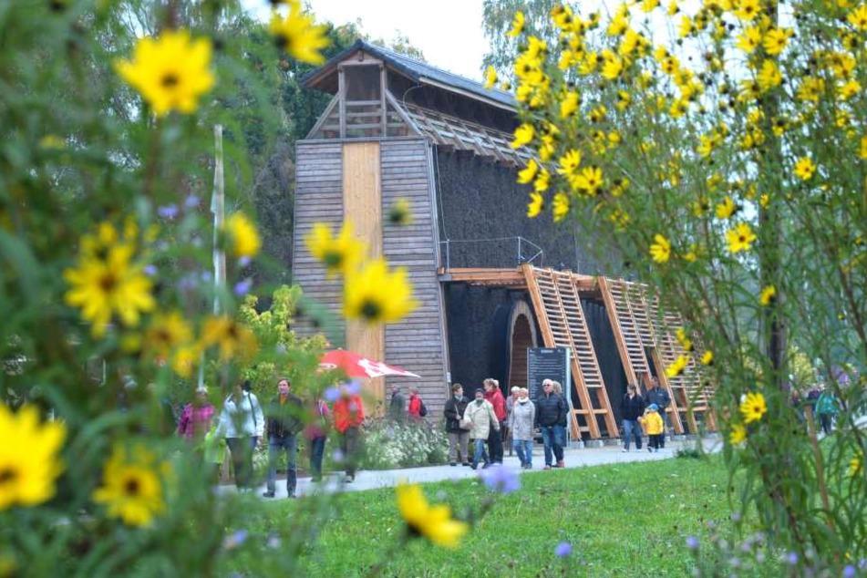 Zwei Jahre nach der Landesgartenschau hat sich am Gradierwerk in Oelsnitz ein blühender Familienpark entwickelt.