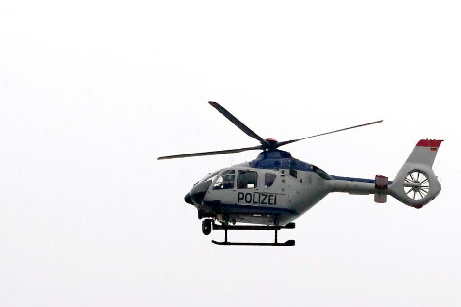 Der Polizeihubschrauber war in der Nacht und auch am Sonntagmorgen über den Leipziger Süden gekreist.