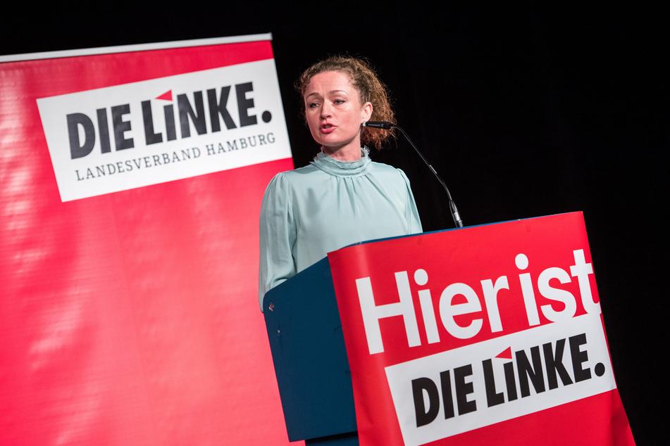Zaklin Nastic (41, Die Linke) spricht während einer Landesvertreterversammlung der Hamburger Linken zu ihrer Bewerbung um Platz 1 für die Landesliste zur Bundestagswahl 2021.