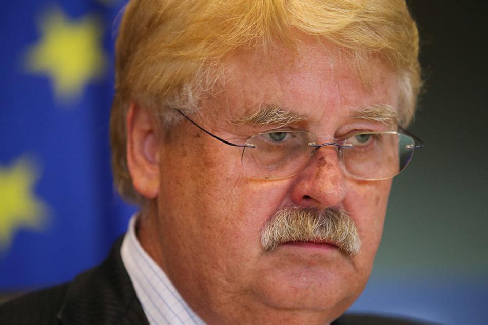 Fordert die Europäische Union auf, die Beitrittsverhandlungen mit der Türkei auf Eis zu legen.