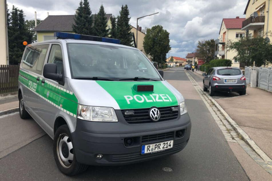 Die Polizei ist zuammen mit dem SEK in der Edisonstraße vor Ort.
