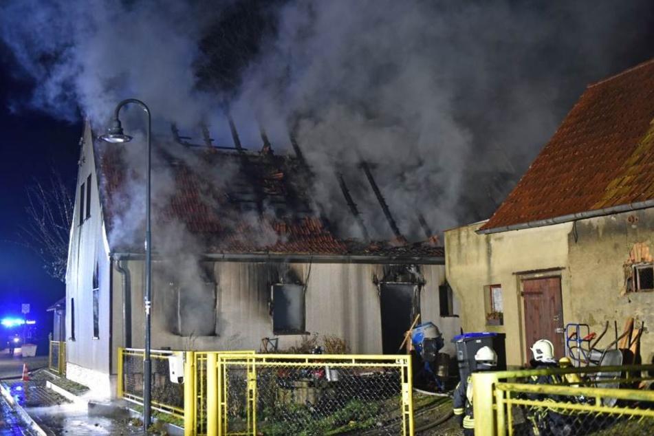 Das Haus des Mannes brannte bis auf die Grundmauern nieder.