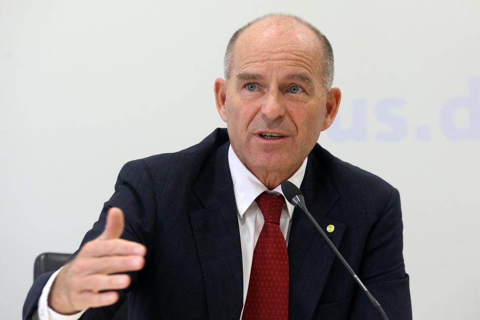 Der frühere Tengelmann-Chef Karl-Erivan Haub ist durch einen Gerichtsbeschluss rechtskräftig für tot erklärt worden.