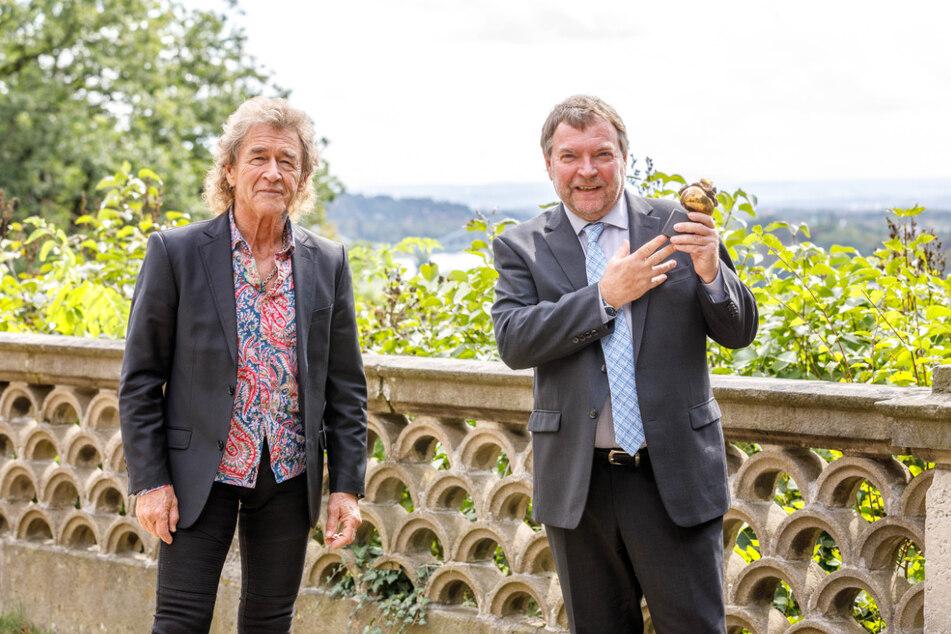 Die Laudatio für Claus-Peter Reisch (59, r.) hielt Rockmusiker Peter Maffay (71, l.).